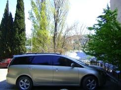На этом автомобиле Mitsubishi Grandis я занимаюсь VIP перевозкой гостей приезжающих к нам в Крым